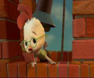 Chicken Little, okul zili uyar? ve herkes için ya?am için